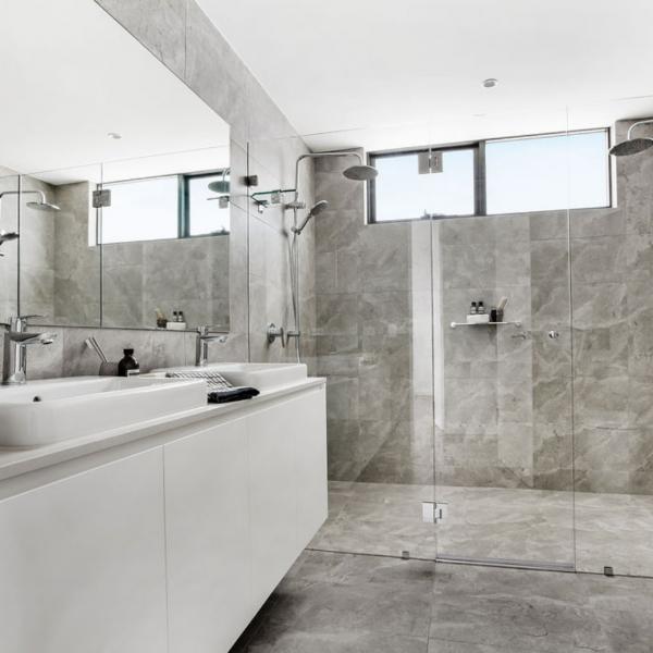 Penthouse Main Bathroom